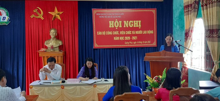 Trường TH số 2 Quảng Phúc tổ chức Hội nghị cán bộ công chức, viên chức và người lao động năm học 2020-2021